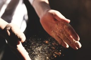 hands dust