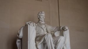 lincoln-statue